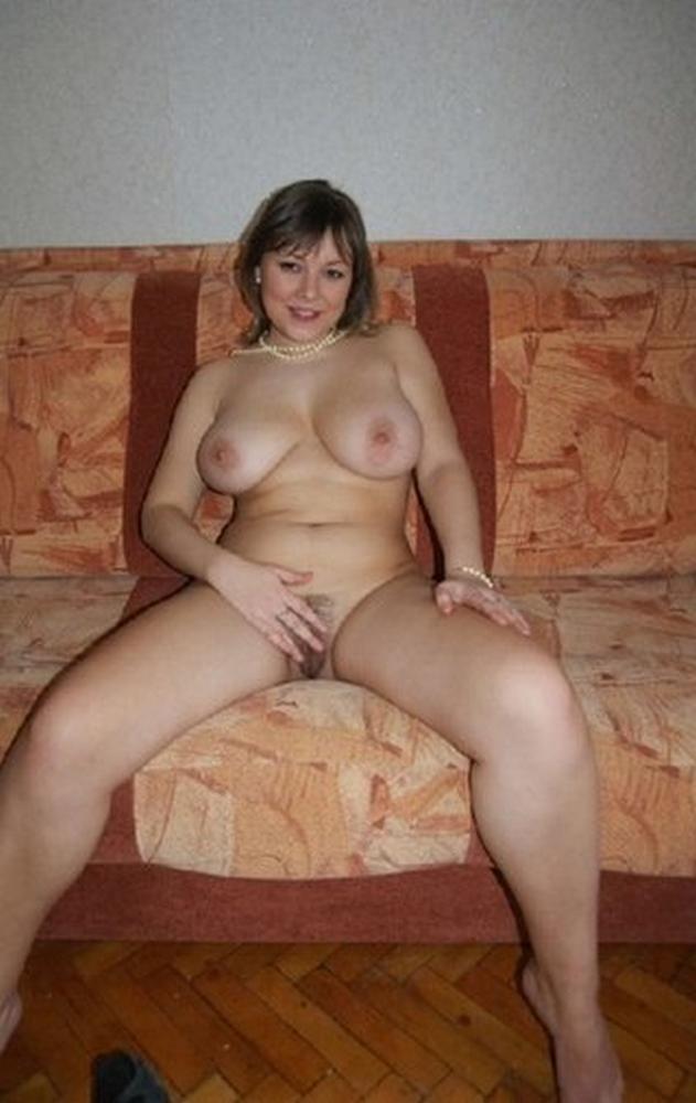 Опытные милахи сильно трогают порнофото
